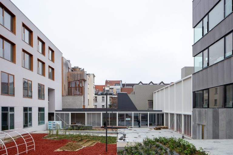 AgwA_ECAM_view to W and cafeteria_severin malaud