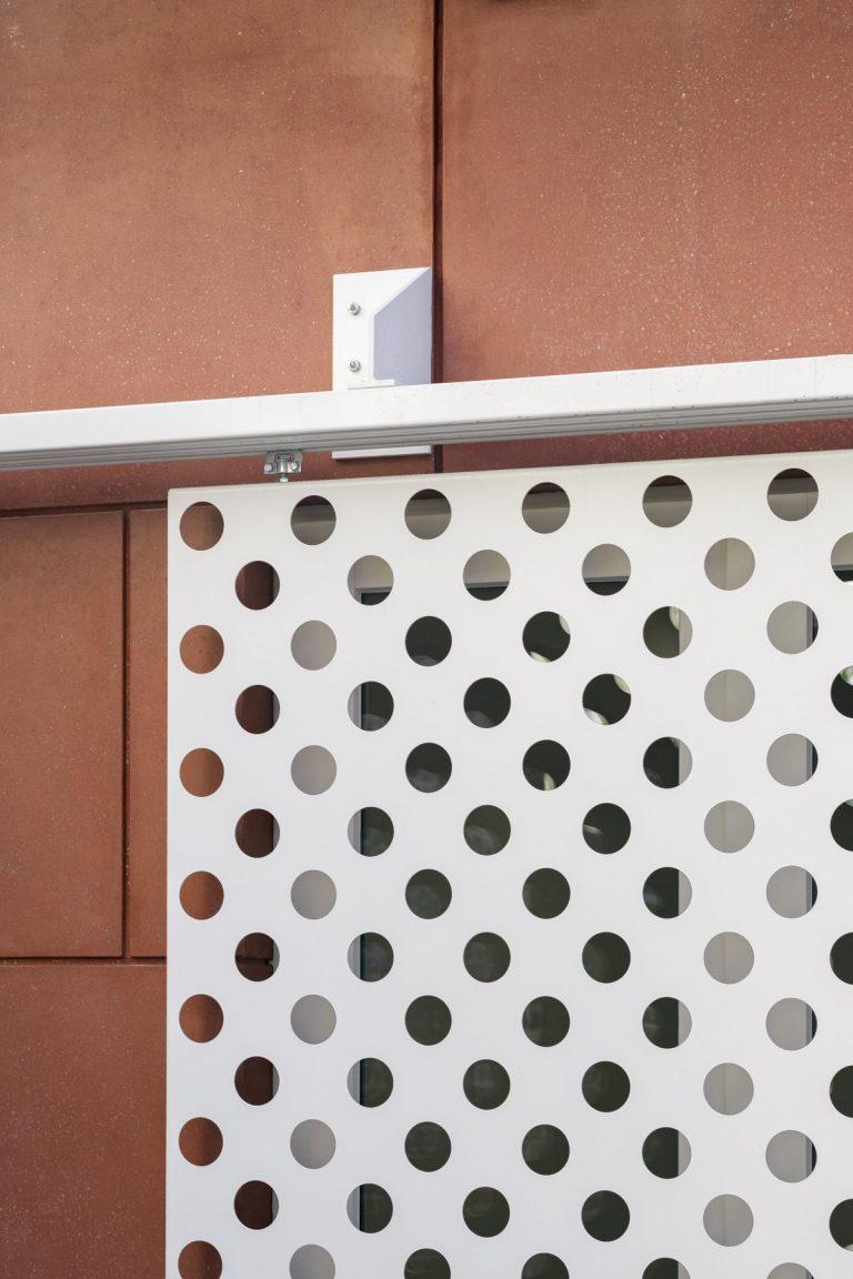 C123_Malibran_facade detail 2_©Olmo Peeters