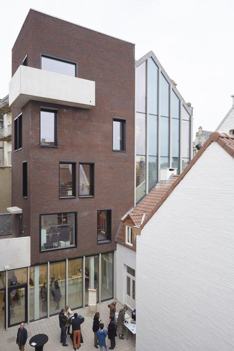 LAVA-Architecten-De Rinck-exterior patio_© StevenMassart