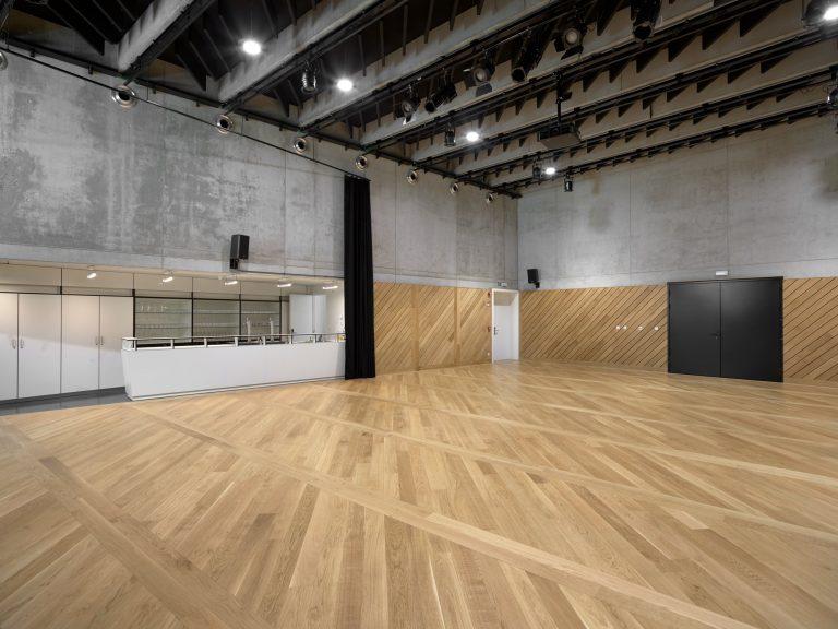 LAVA-Architecten-De Rinck-interior multipurpose space_© Lumecore