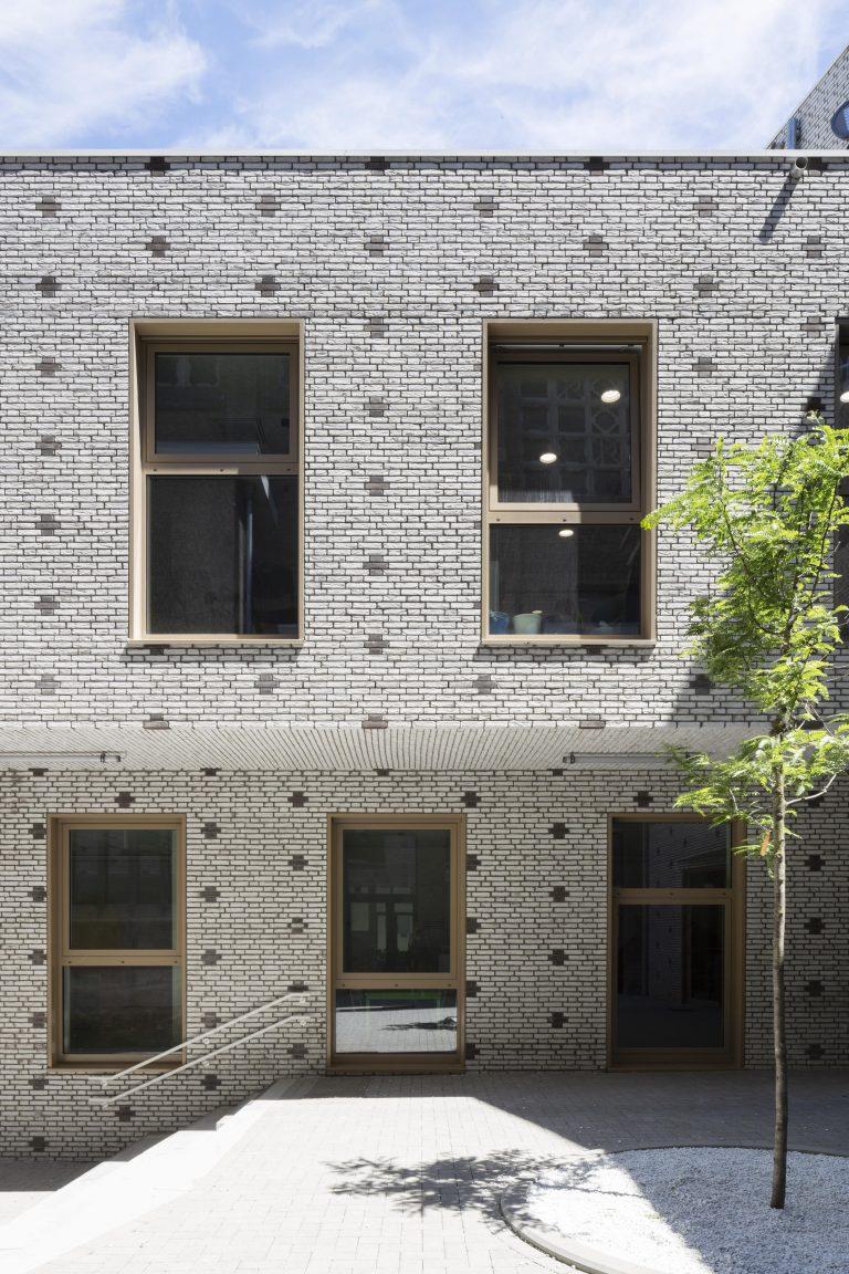 OSK-AR architecten_PORTA 1070_Brick crosses weaved in_c. Luca Beel