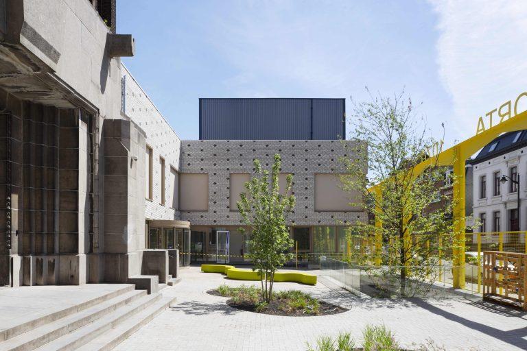 OSK-AR architecten_PORTA 1070_Entrance square_c. Luca Beel