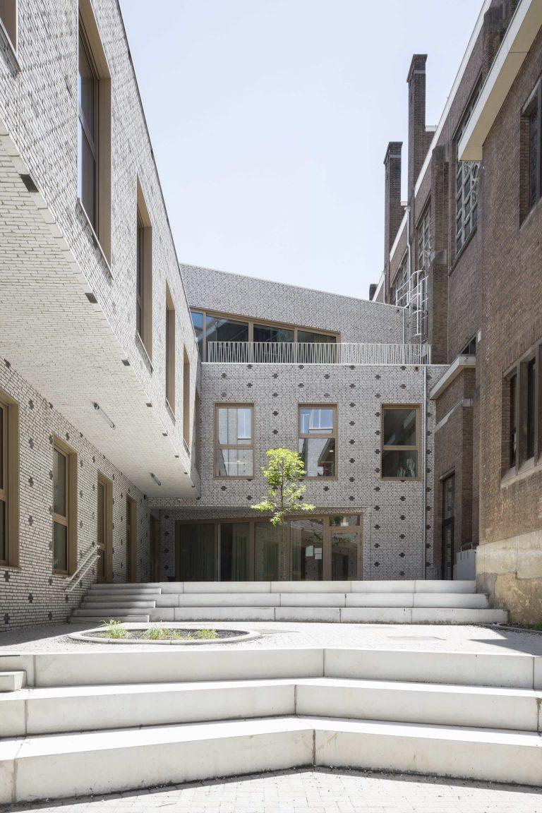 OSK-AR architecten_PORTA 1070_Playground with multiple levels_c. Luca Beel