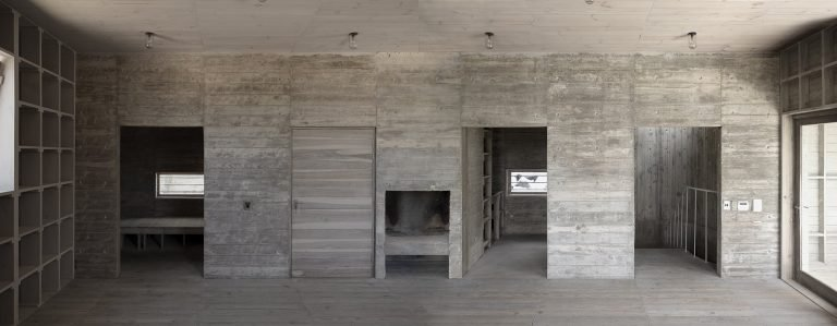 sugiberry_Pine Concrete House_ Composite Interior_sugiberry
