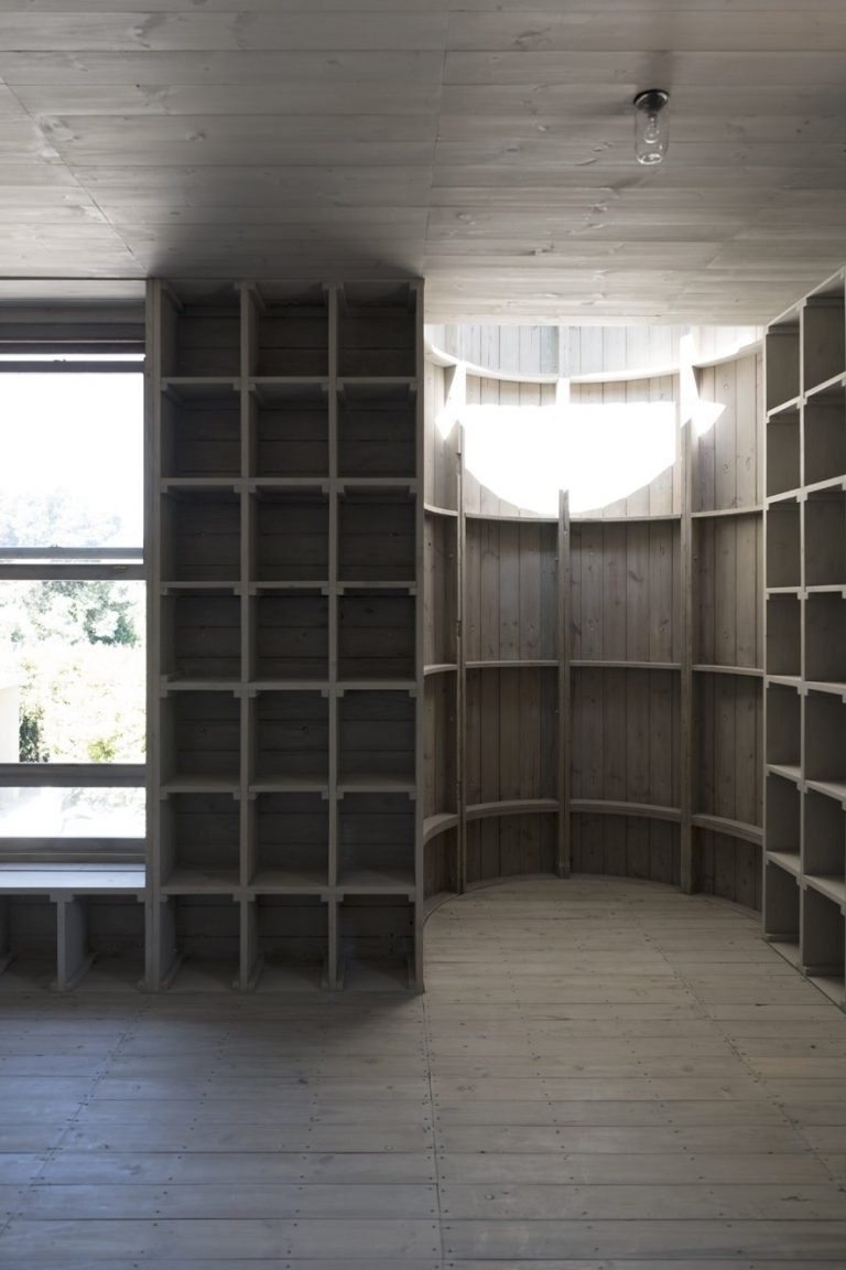 sugiberry_Pine Concrete House_ Curious space as the result of reuse_sugiberry